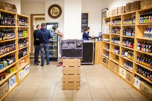 Fotos tienda de cervezas BeHoppy